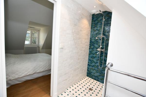 Création d'une salle de bain avec douche près de plouharnel